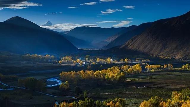 10月27日中路藏寨:不去人来人往的地方,去找秋天的枫叶3日自驾