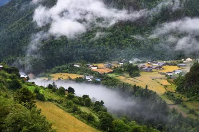 5月15日雨崩徒步者的天堂7日:神瀑,冰湖,梅里雪山,中国最原始的村落